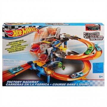 Трек Mattel Hot Wheels FDF28 Гонки через фабрику